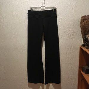 NWOT Black Lululemon yoga pants.